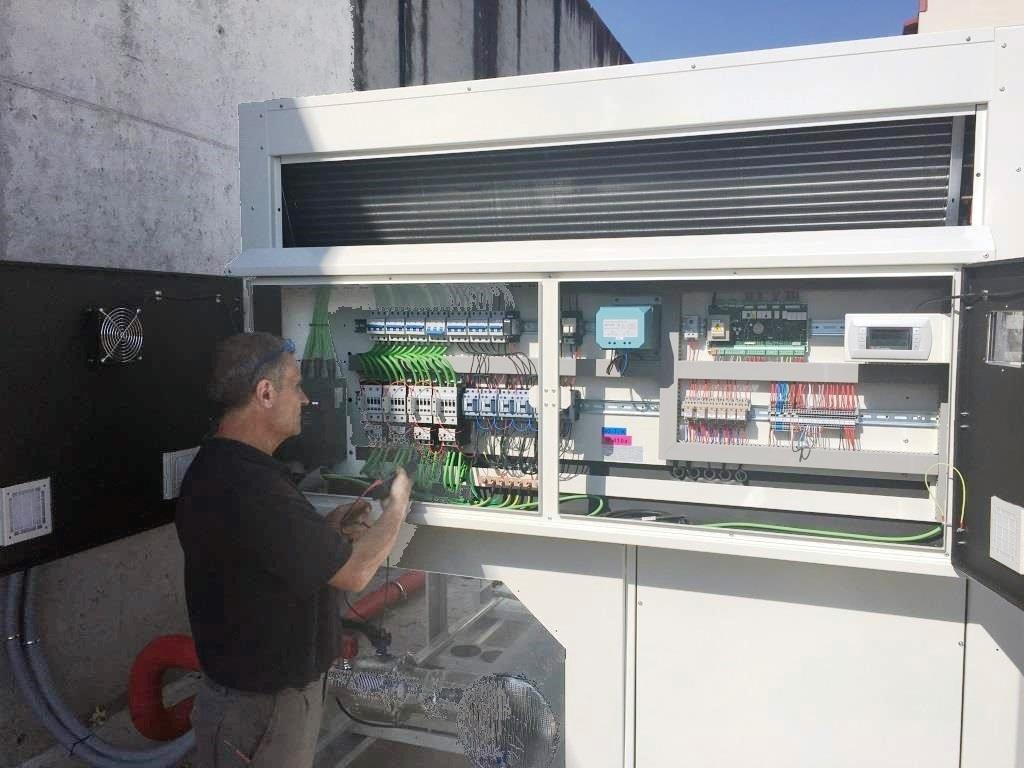 Instalación de Enfriadora de agua